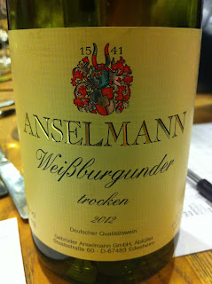 Anselmann-Weissburgunder-2012-Alemania-blanco