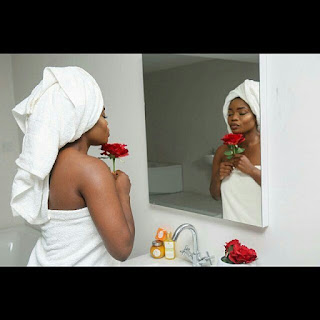 Bisola Breaks The Internet With Unclad Bathroom Photo 1