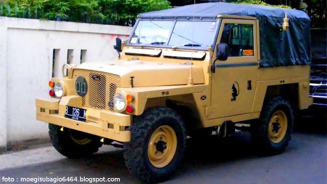 Land Rover 1/2 ton Lightweight Banteng