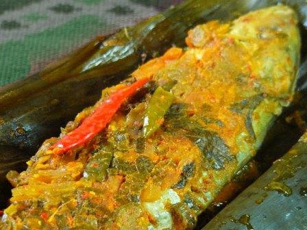 Resep Membuat Ikan Nila Bakar Bumbu Kuning. Simpel pakai teflon