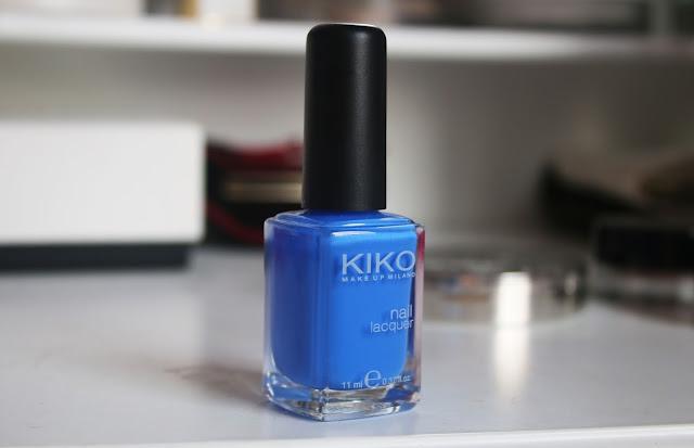 синий пастельный лак для ногтей