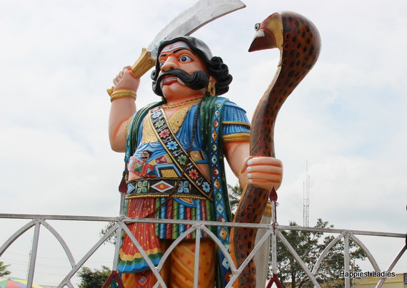 one day trip from bangalore  Mahishasura Statue Mysore Tourism