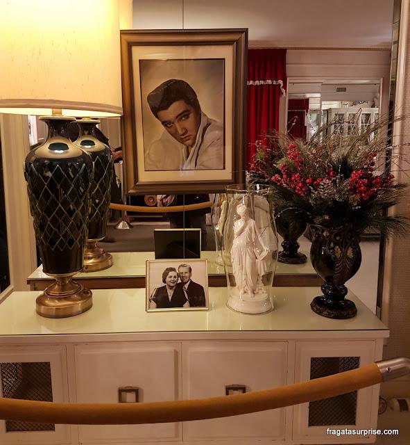 Detalhe da sala de estar de Graceland