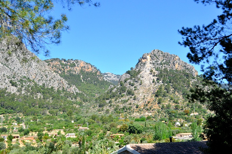 mountain view on the train to soller