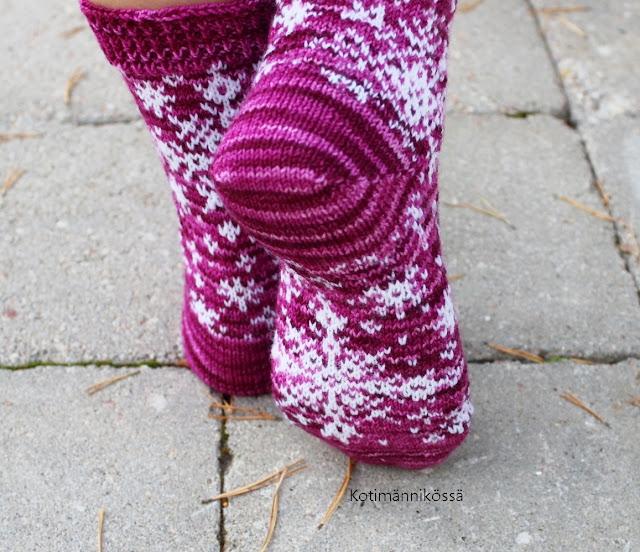 Kirjoneulesukat varpaista varteen toud-de-sock 2018