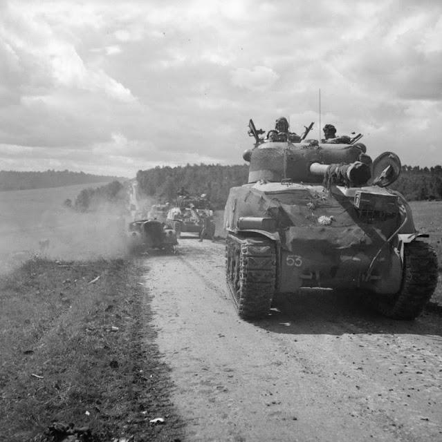 Sherman M4A2 Firefly worldwartwo.filminspector.com