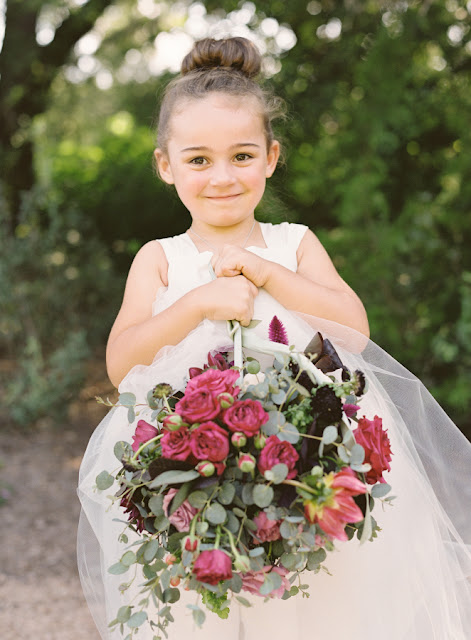 Ślub cywilny formalności, Jak wygląda ślub cywilny w plenerze, Ceremonia ślubna w plenerze, Ślub plenerowy krok po kroku, Przysięga małżeńska, Planowanie ślubu, Organizacja ślubu, Ślub poza USC, Formalności ślubne