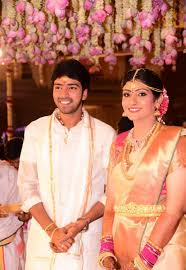 Allari Naresh Biography, Profile, Wiki Age, Affairs, Height, Weight, Biodata, Wife, Family Photos and More...