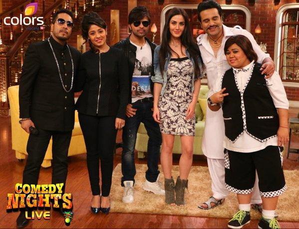 Himesh Reshammiya with Farah Karimi and Sunidhi Chauhan on Comedy Nights Live.