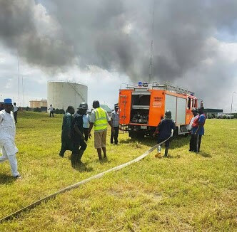 Fire Incident At NNPC Depot Minna While People Were Scooping Fuel (Photos)