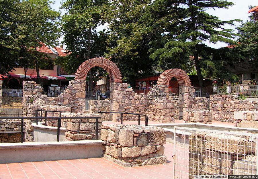 Средневековые крепостные стены в Созополе   Medieval city walls in Sozopol