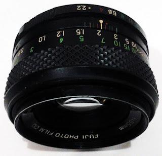 fujinon 50mm f/2.2 tampak tengah