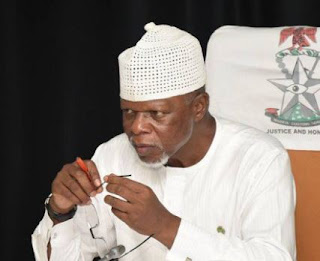Employment Scam: EFCC arrests man impersonating custom's boss, Hameed Ali