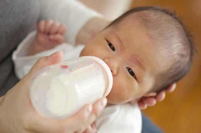 Berdosakah Ibu yang Tak Mau Menyusui Bayinya Karena Lebih Memilih Memberikan Susu Formula?