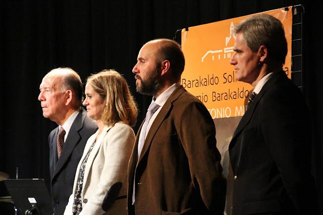 La alcaldesa y el concejal de Acción Social junto al gerente de la Fundación Miranda y el presidente del patronato