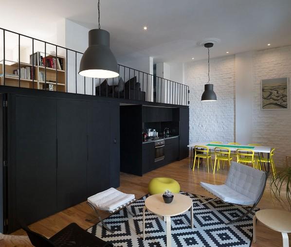 Loft en Córdoba con alfombra de Ikea chicanddeco