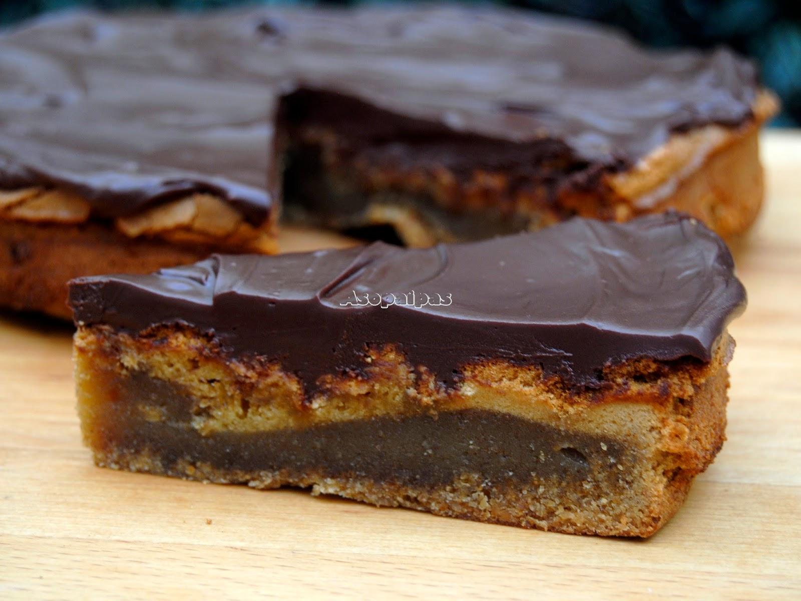 Torta de Almendras casera con corbetura de Chocolate