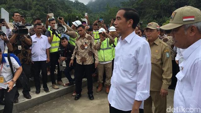 Presiden Blusukan ke Perbatasan RI-Malaysia di Entikong