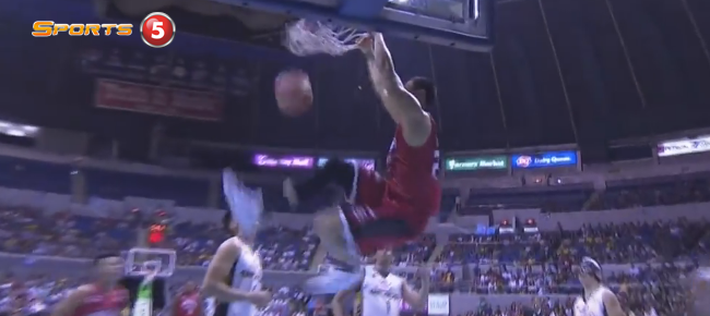 Sol Mercado's Bounce Pass Finds Japeth Aguilar for the Slam! (VIDEO)