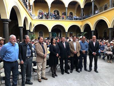 Rinde presidente Víctor Manuel Balderrama su informe de los primeros cien días de gobierno