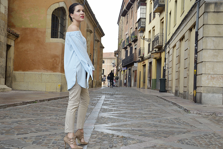 blusa-azul-blogger-look-off-shoulders-trends-gallery