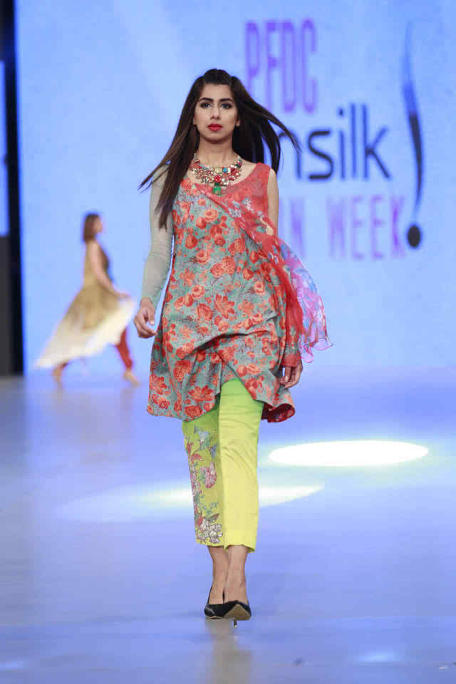 Housse of Ittehad Pastel Fantaies Collection at PSWF 2016