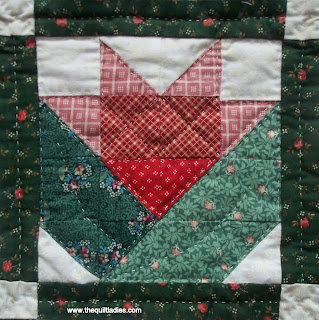 how to make a flower quilt block tutorial