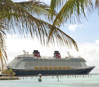 Kapal Pesiar Disney Fantasy
