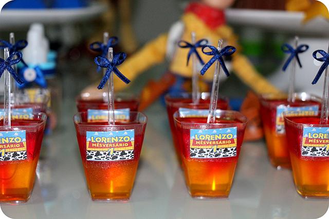 Gelatinas com 2 Sabores no Copinho Personalizado - Mêsversário com Decoração do Toy Story