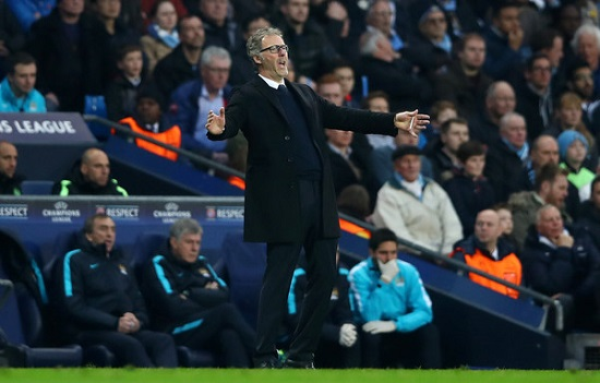 Tấm vé tứ kết Champions League nằm chắc trong tay thầy trò HLV Blanc.
