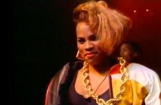 videos-musicales-de-los-80-salt-n-pepa-push-it