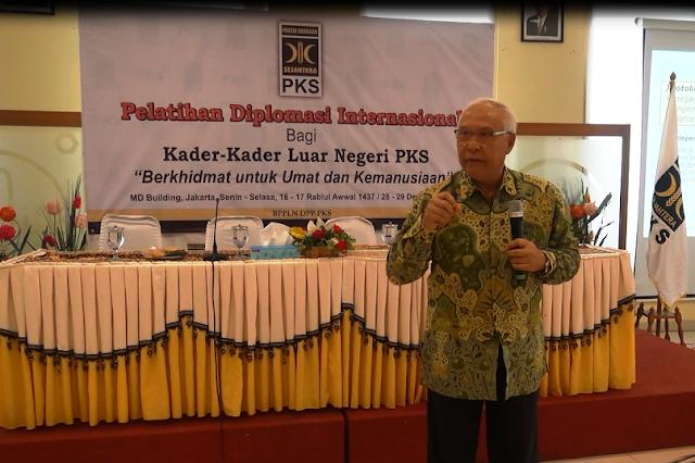 Eks Dubes RI Ajari Kader PKS Pergaulan Internasional