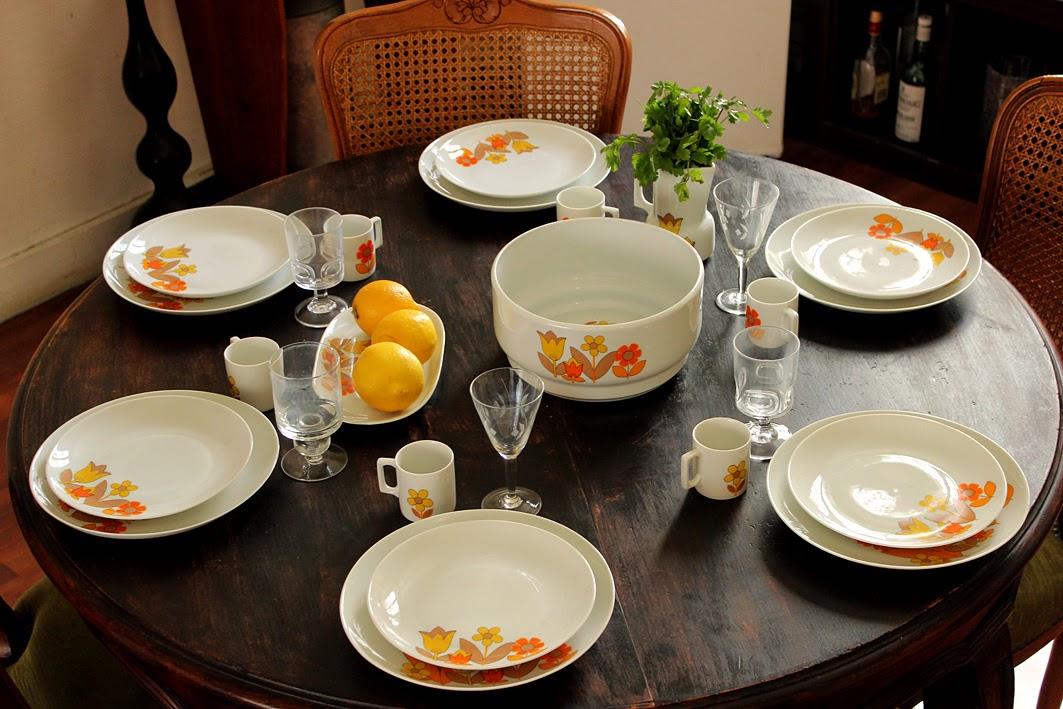 service de table annee 70. Black Bedroom Furniture Sets. Home Design Ideas