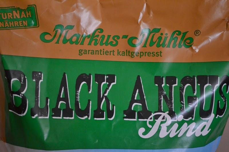 Yvonne & Sandra: Markus-Mühle - Naturnahes Futter für den Hund
