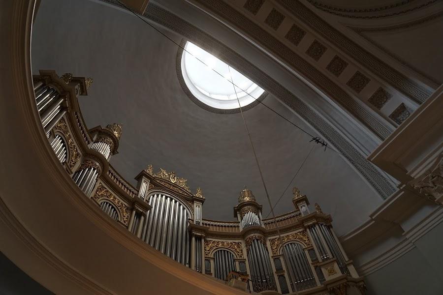 ヘルシンキ大聖堂(Helsingin tuomiokirkko)