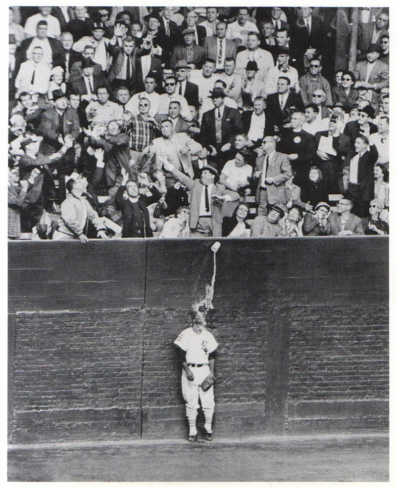 1959 World Series, White Sox left fielder Al Smith. Beer Spill. Photo Credit AP Photo/Chicago Tribune, Ray Gora/San Francisco Chronicle