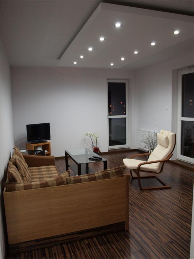 wohnzimmer decke gips led raum und m beldesign inspiration. Black Bedroom Furniture Sets. Home Design Ideas