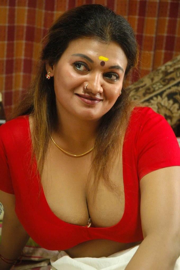 Sunny leone hot navel ass boobs hot scenes masala scened