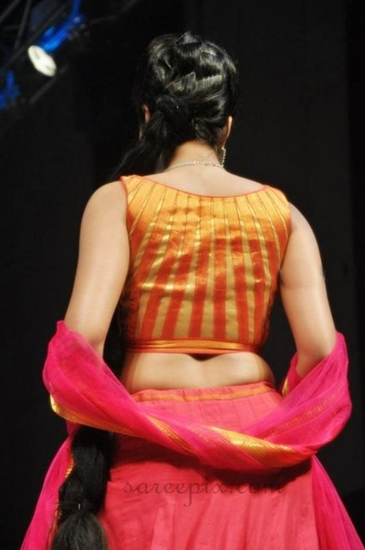 Catherine tresa lehenga ramp walk at Hyderabad fashion ...