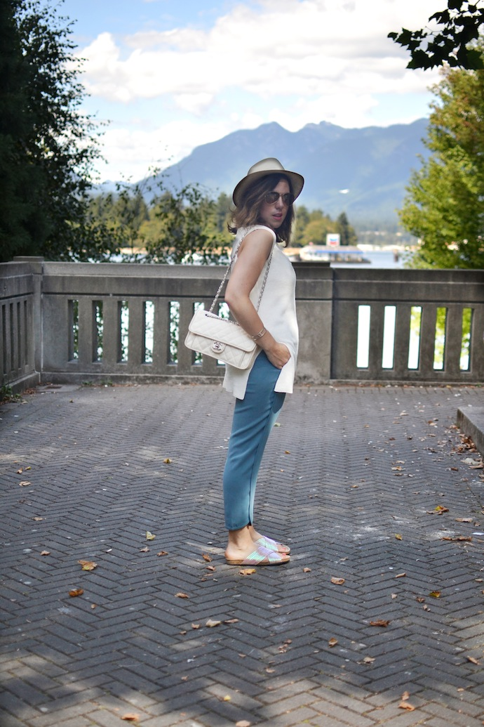 Vancouver fashion blogger summer early fall outfit idea