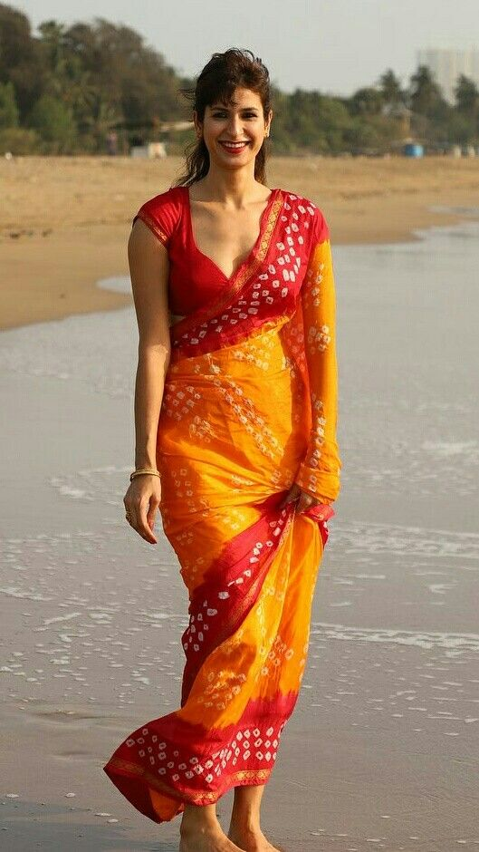 51 Beautiful Indian Women In Saree Looking Gorgeous Memespanda