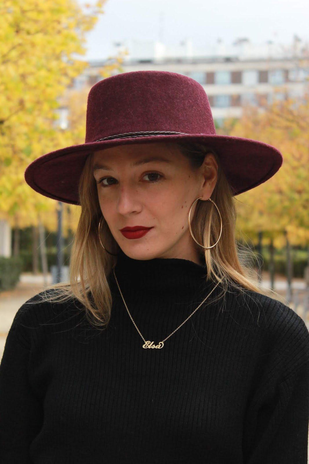 wide leg capri pants street style burgundy hat