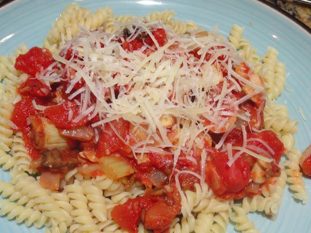 Artichoke-and-Mushroom-Tomato-Sauce-Meatless-Monday.jpg