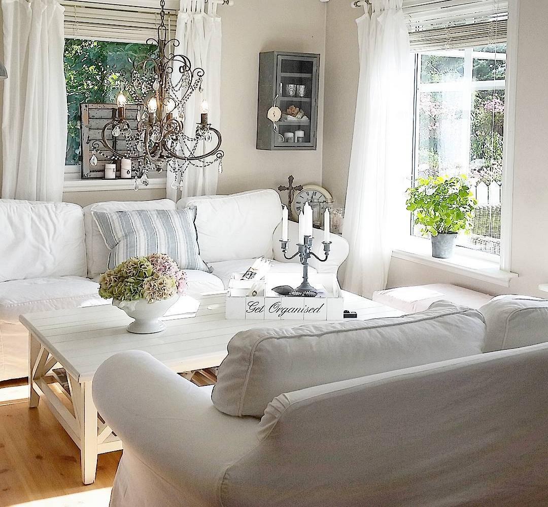 Lovely deco une jolie maison au style shabby for Jolie decoration maison