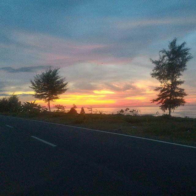 Wisata Pantai Sigandu Batang
