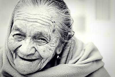 lachen, Alte Frau, Senior, Aktivierungsideen, Demenz