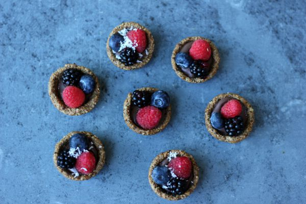Granola Dark Chocolate Fruit Tarts
