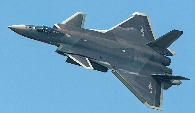 Chinese J-20 stealth fighter debut