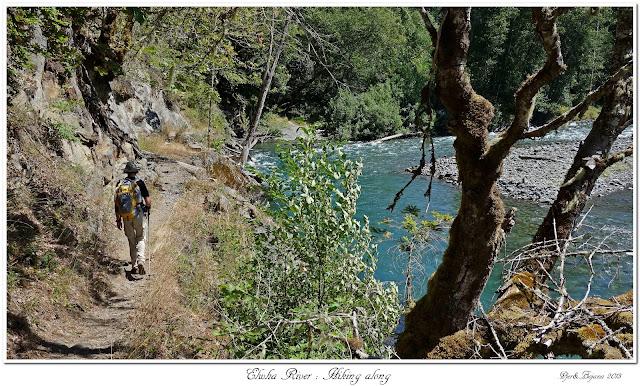 Elwha River: Hiking along