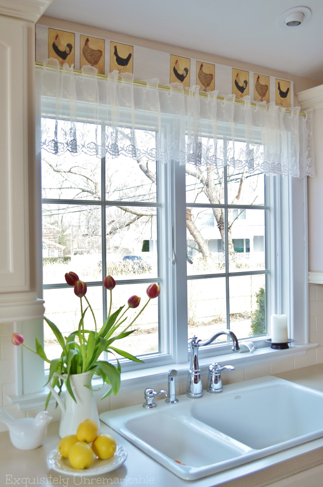 Farmhouse Kitchen Decor With Lace Curtains